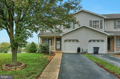 2895 ROBIN RD, YORK, PA 17404 - Photo 2