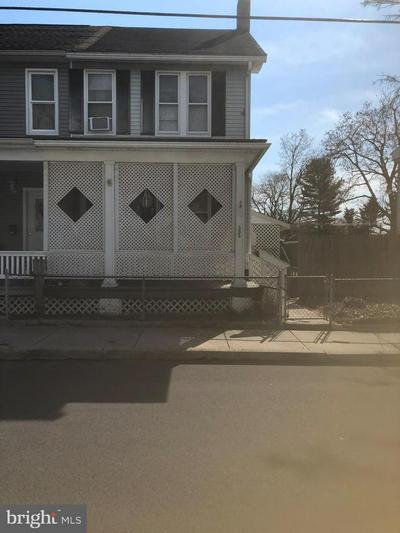 303 W 2ND ST, HUMMELSTOWN, PA 17036 - Photo 1