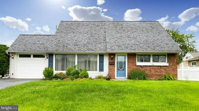 15 TOWPATH RD, LEVITTOWN, PA 19056 - Photo 2