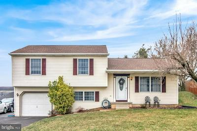 8681 PRESIDENTS DR, HUMMELSTOWN, PA 17036 - Photo 1