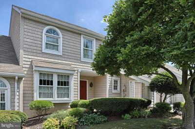 279 CRESCENT DR, HERSHEY, PA 17033 - Photo 1