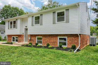 2015 LINCOLN ST, CAMP HILL, PA 17011 - Photo 2