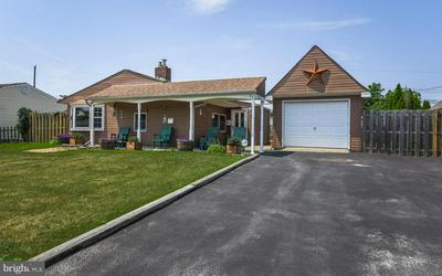 23 PEACHTREE LN, Levittown, PA 19054 - Photo 2