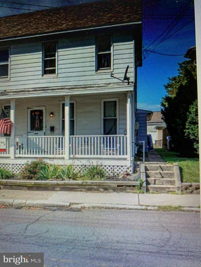 303 GLASGOW ST, POTTSTOWN, PA 19464 - Photo 1
