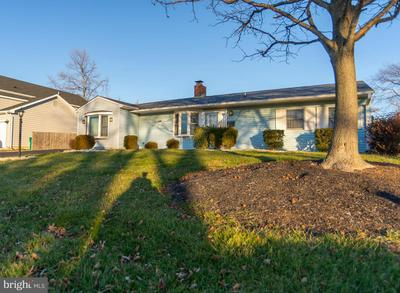 58 BASSWOOD RD, LEVITTOWN, PA 19057 - Photo 2