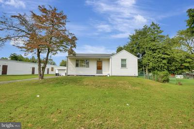 2822 OLD LINCOLN HWY, FEASTERVILLE TREVOSE, PA 19053 - Photo 2