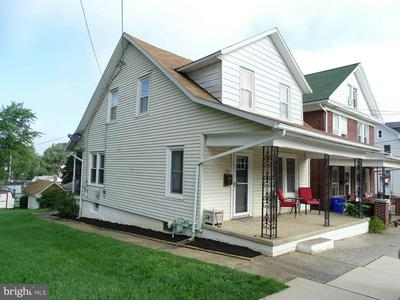 204 S CHARLES ST, DALLASTOWN, PA 17313 - Photo 2