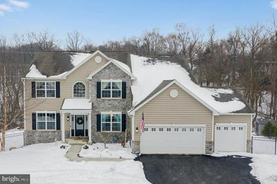1104 COUNTRYSIDE DR, HARRISBURG, PA 17110 - Photo 1