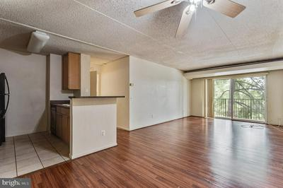 75 S REYNOLDS ST APT 316, ALEXANDRIA, VA 22304 - Photo 2