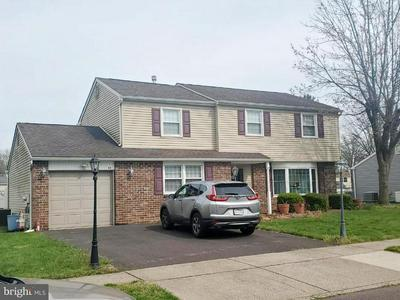 12 MAPLEWOOD DR, Levittown, PA 19056 - Photo 1
