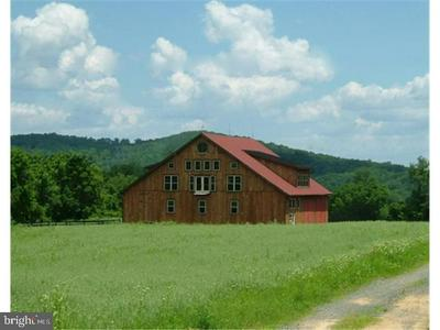 820 SPRING HILL RD, RIEGELSVILLE, PA 18077 - Photo 1