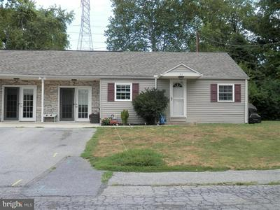 34 VILLAGE RD, HUMMELSTOWN, PA 17036 - Photo 1