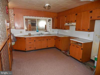 1118 GRAZIER ST, MARTINSBURG, WV 25404 - Photo 2