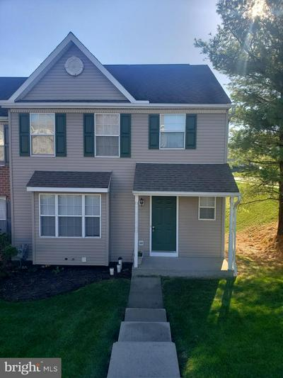 215 COUNTRY RIDGE DR, RED LION, PA 17356 - Photo 1