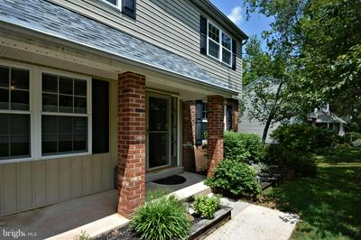 13 IROQUOIS DR, ROYERSFORD, PA 19468 - Photo 2