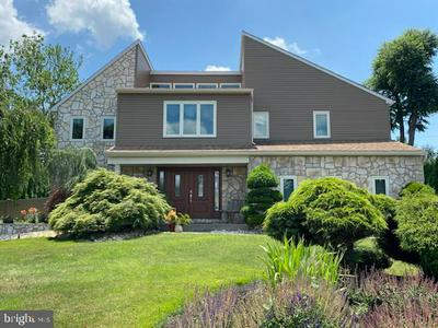 749 CLIFF RD, BENSALEM, PA 19020 - Photo 1