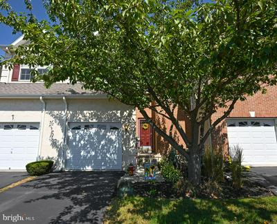 4015 HOFFMAN CT, COLLEGEVILLE, PA 19426 - Photo 1