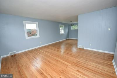 522 ANDREA DR, WILLOW GROVE, PA 19090 - Photo 2