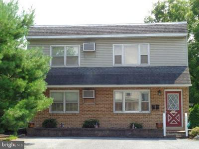 101 BROAD ST, Newville, PA 17241 - Photo 2