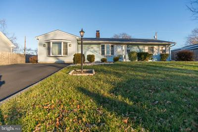 58 BASSWOOD RD, LEVITTOWN, PA 19057 - Photo 1
