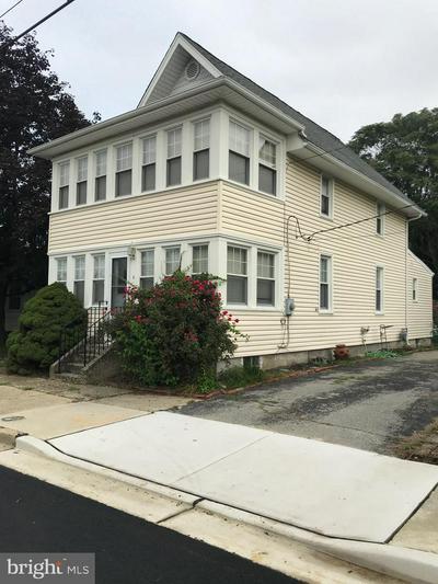 8 BROAD ST, PENNSVILLE, NJ 08070 - Photo 2
