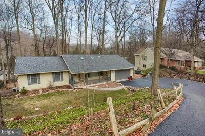 1583 SPRING HILL DR, HUMMELSTOWN, PA 17036 - Photo 2