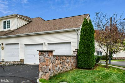4902 SCHINDLER DR S, MONMOUTH JUNCTION, NJ 08852 - Photo 2