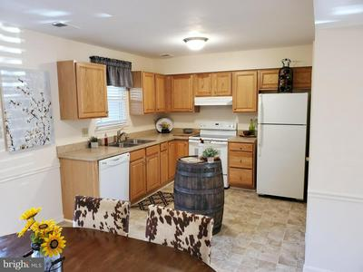 8605 ASHBY CT, MARSHALL, VA 20115 - Photo 2