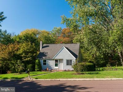 211 NEW ST, ROYERSFORD, PA 19468 - Photo 2