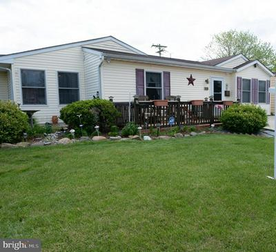 15 INDIAN CREEK PASS, LEVITTOWN, PA 19057 - Photo 2