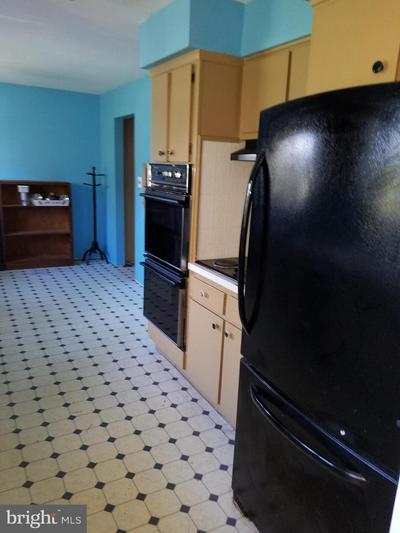 71 NANCY LN, EWING, NJ 08638 - Photo 2