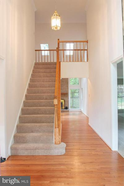 6451 SPRINGHOUSE CIR, CLIFTON, VA 20124 - Photo 2