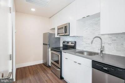 300 MARKET ST APT 401, PHILADELPHIA, PA 19106 - Photo 1