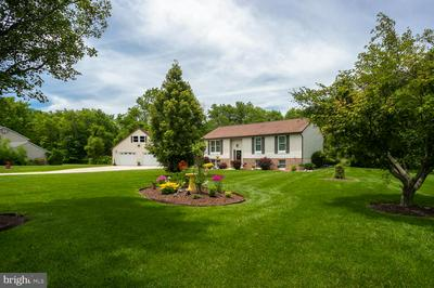 13 CARLYLE DR, WRIGHTSTOWN, NJ 08562 - Photo 2