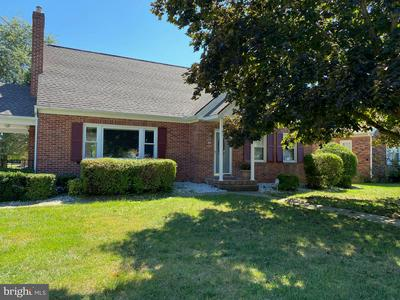 109 CLEARVIEW RD, HANOVER, PA 17331 - Photo 1