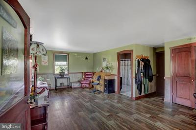 1004 W MATTERSTOWN RD, MILLERSBURG, PA 17061 - Photo 2