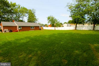 226 E RELIANCE RD, TELFORD, PA 18969 - Photo 2