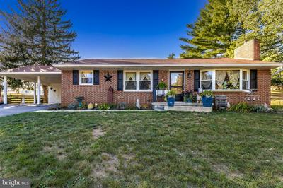 13610 WOODLAND HEIGHTS DR, HAGERSTOWN, MD 21742 - Photo 2