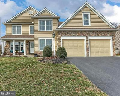 2014 BRAEBURN DR, MECHANICSBURG, PA 17055 - Photo 1