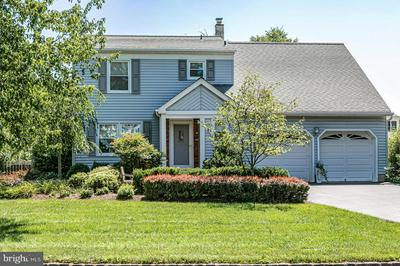9 DUBOIS ROUND, HILLSBOROUGH, NJ 08844 - Photo 1