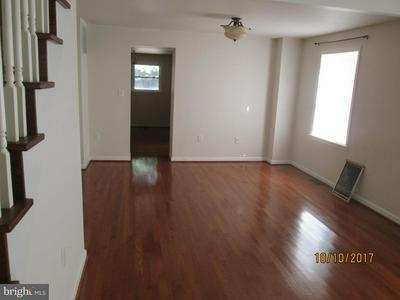 300 N MAXWELL AVE, FREDERICK, MD 21701 - Photo 2