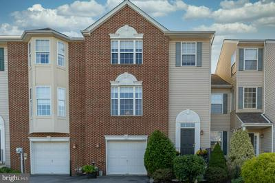 5262 DARTMOUTH DR, MACUNGIE, PA 18062 - Photo 1