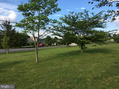 1290 RUNNING DEER DR, Auburn, PA 17922 - Photo 2