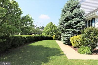 3 AUTUMN BLAZE WAY, EPHRATA, PA 17522 - Photo 2