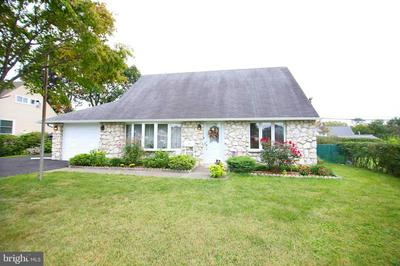 10 CAMEO RD, LEVITTOWN, PA 19057 - Photo 1
