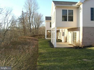 15 CREEK BANK DR, MECHANICSBURG, PA 17050 - Photo 2