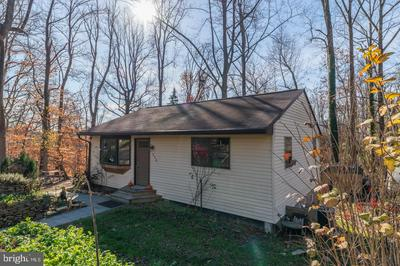 1046 WOODVALE AVE, LANGHORNE, PA 19047 - Photo 2