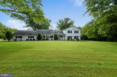 6405 STALLION RD, CLIFTON, VA 20124 - Photo 1
