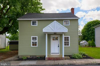 105 S BROAD ST, Myerstown, PA 17067 - Photo 2