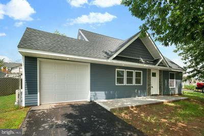 11 VIOLET RD, LEVITTOWN, PA 19057 - Photo 2